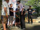 ruderregatta_20186_siegerehrung_Neuköllns_Bürgermeister_Martin_Hickel_gratuliert_den_zapf_umzüge_Azubis